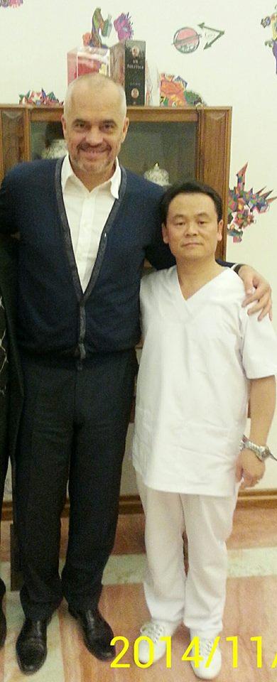 Edi Rama me mjekun kinez, Wu Junming