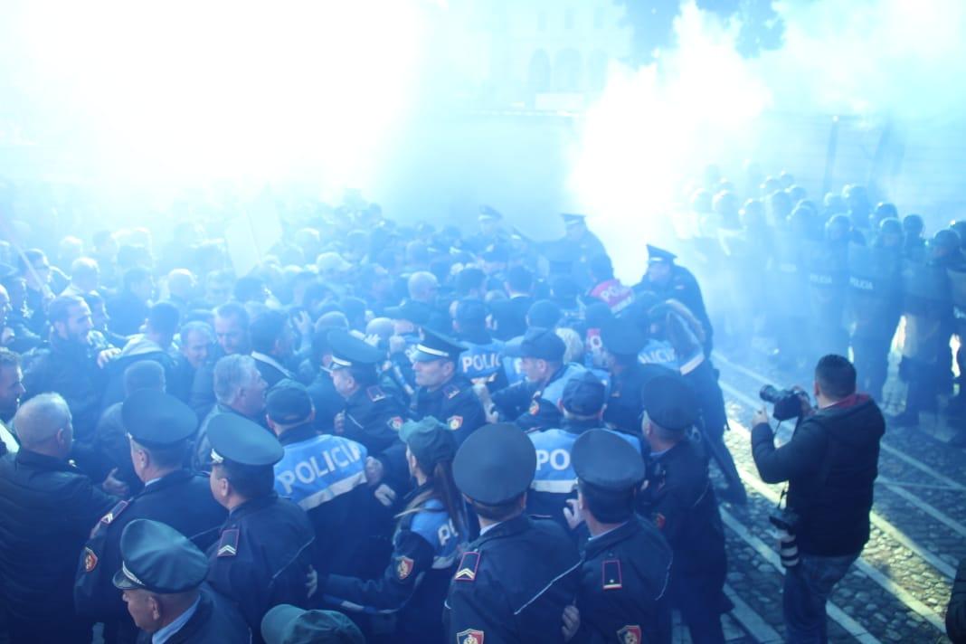 policia proteste
